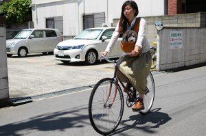 自転車に乗る時はペットキャリーが便利