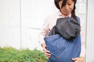 顔の隠せる犬用キャリーバッグ